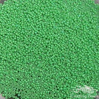 Size 20/0 seed beads - OPQ parrot green